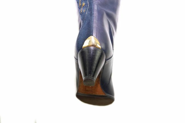 Close up heel 80s Navy Gold Leather Boots