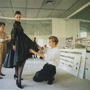 Retro 80s fashion-NinaRicci-Colbert Tilmann