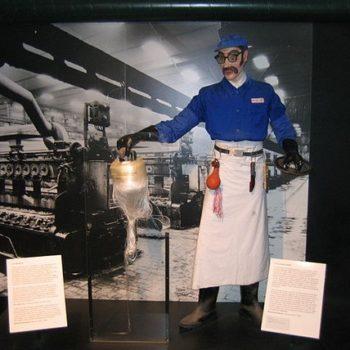 Ouvrier de la viscose wearing his Bleu de travail french work jacket