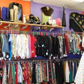 Blue17 retro fashion stores interior photo