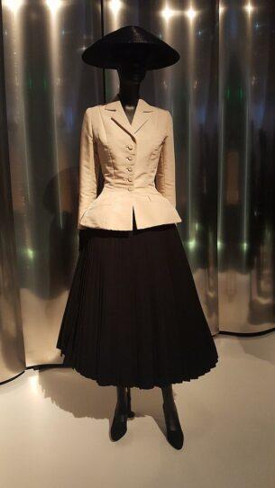 Renee Breton - Christian Dior's ' Bar Suit', 1947