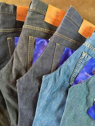 Blue blooded Denim Hunters and Jeans Culture.Selvedge denim jeans (Jeans en toile de Nîmes selvedge)