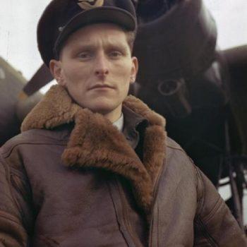 Retro Jackets UK, WW2 bomber pilot, Royal Air Force at Mildenhall, Suffolk, 1943