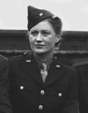 War correspondents-Lee-Miller,1943