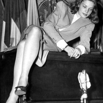 40s fashion - Lauren Bacall,1945