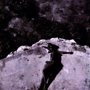 Dovima, Montego bay, Jamaica, 1946 by Tony Frissell