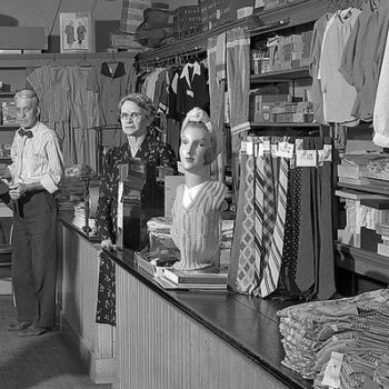 Retro workwear, Buell's Dry Goods, Worthington, Ohio, USA, May 10, 1947