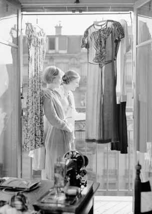 fashion in the 30s, two Women standing on balcony of atelier, 1937