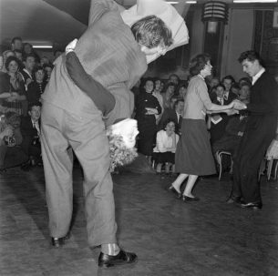 Rockabilly Clothing uk, Upside down dance move at 1950s Rock-'n-Roll dance