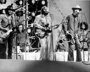 The Beach_Boys wearing their 70s retro shirts while performing Good Vibrations in Central Park 1971
