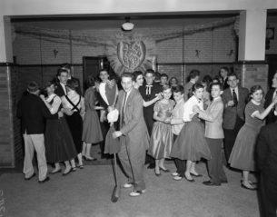 50s teenage fashion, Valentine dance, High school, USA, 1956