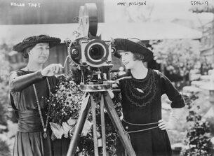 20s fashion-Helen Taft and MayAllison