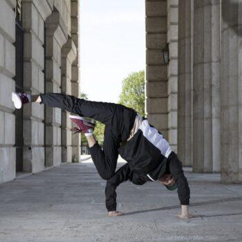 90s shell suit fancy dress-Man break dancing