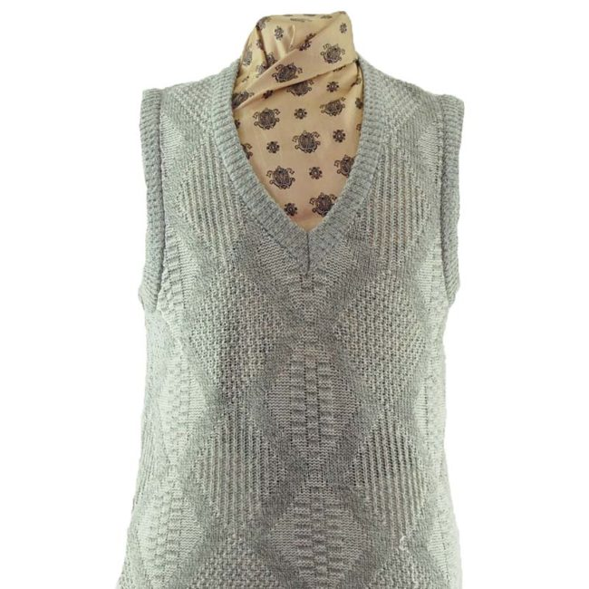 close up of 70s V-neckline Diamond Knit Vest