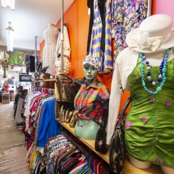 retro clothing stores - Blue17 interior