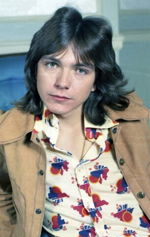 David Cassidy wore big collared shirts 70s