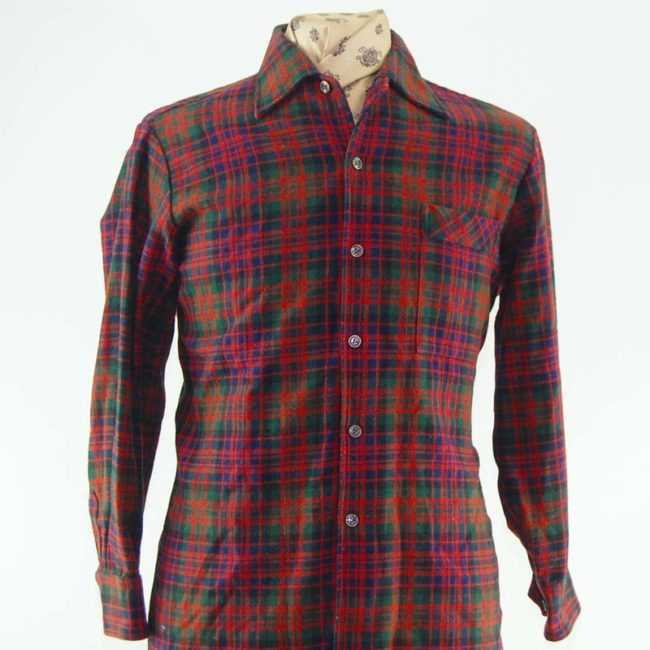 close up of 60s 100% Wool Plaid Flannel Shirt