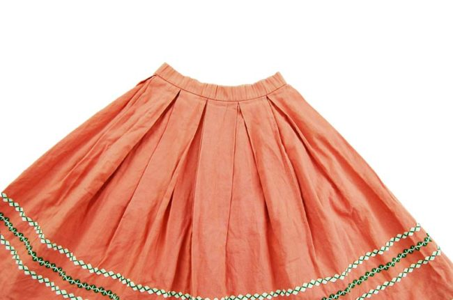 close up of 60s True Vintage Pink Peasant Skirt