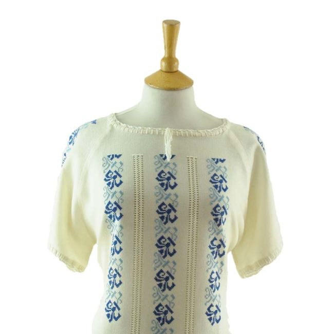 close up of 70s White Cotton Gypsy Blouse