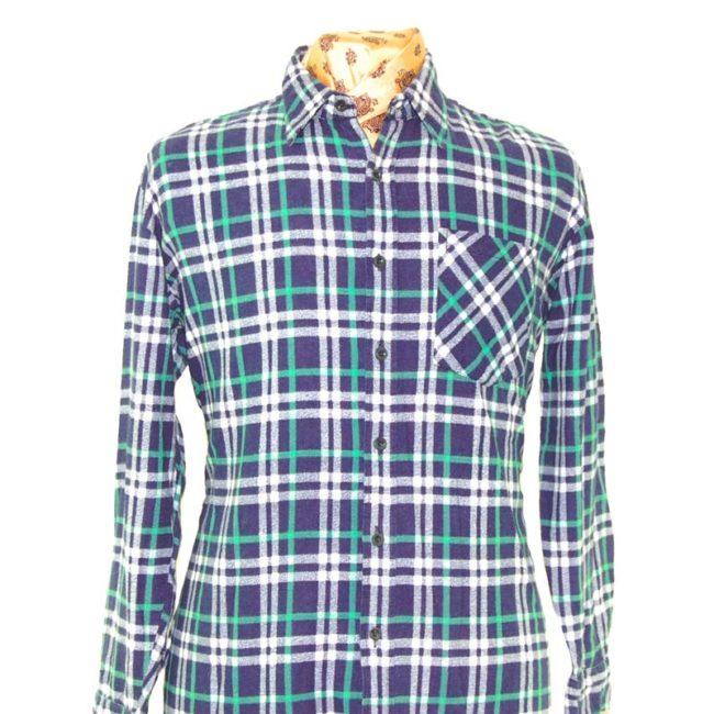 close up of 90s Vintage Grunge Checkered Shirt