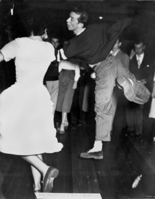 Mens retro shirts - Couple dancing, 1950