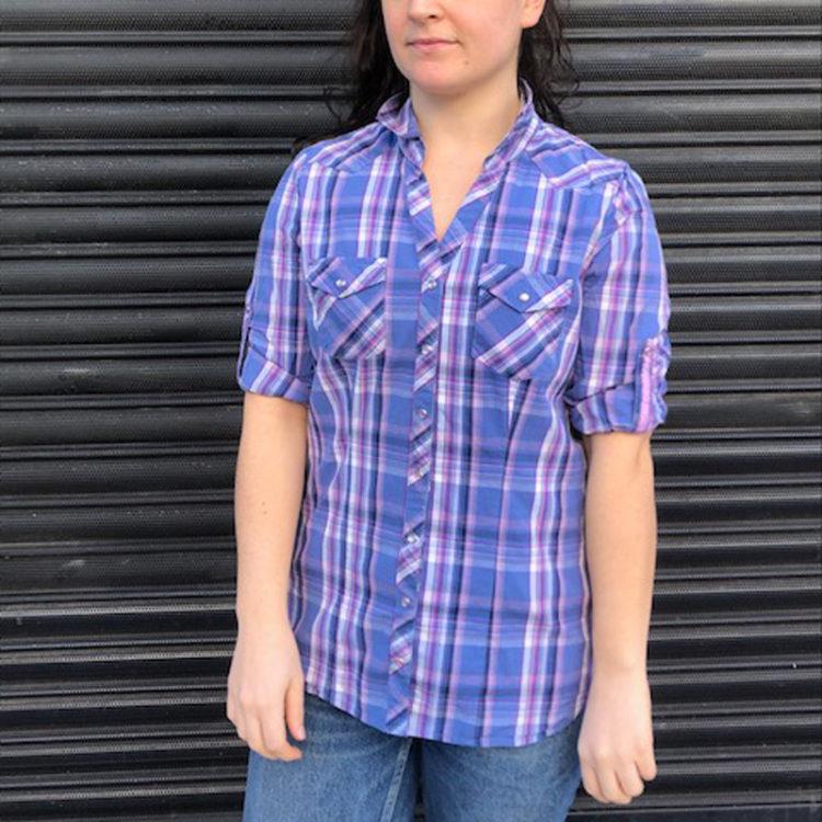 90s V-neckline Plaid Shirt