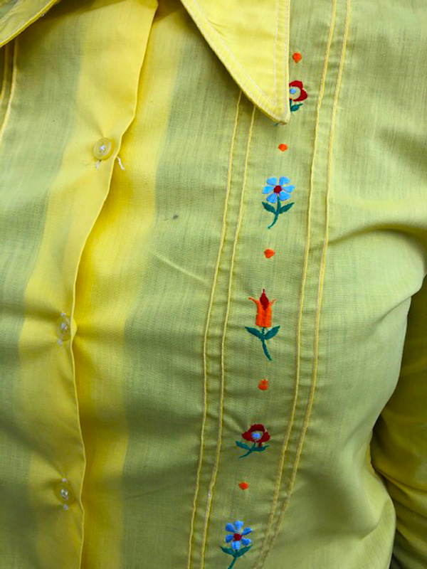 flowers on 70s Yellow Floral Embroidery Shirt