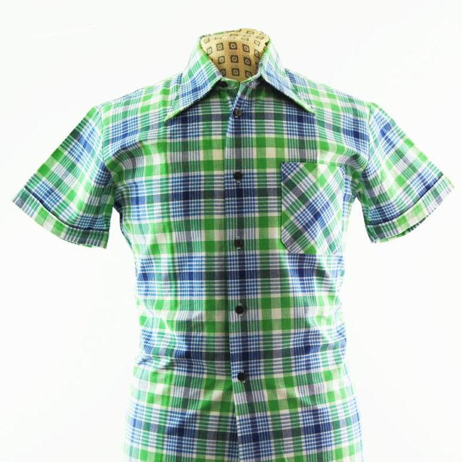 close up of 70s Mens Plaid Print Shirt