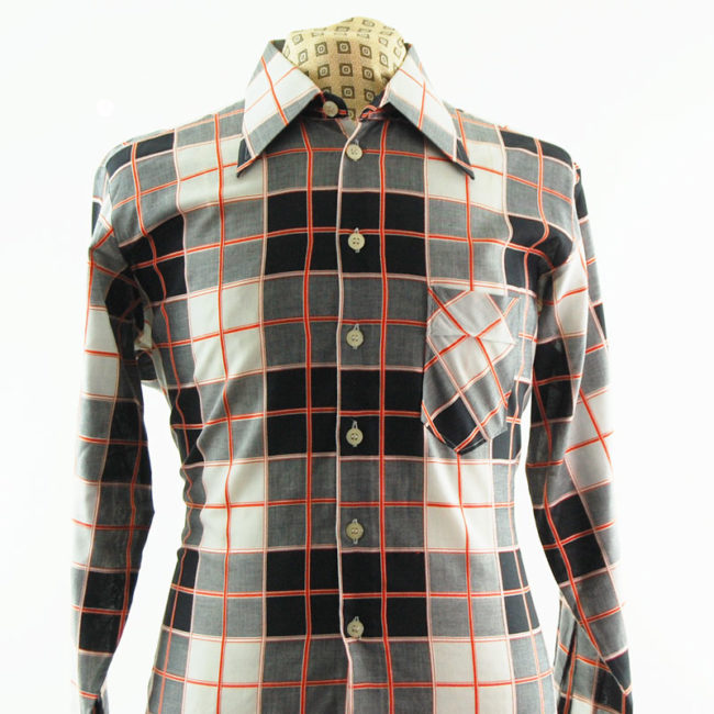 close up of Mens Vintage 70s Shirt