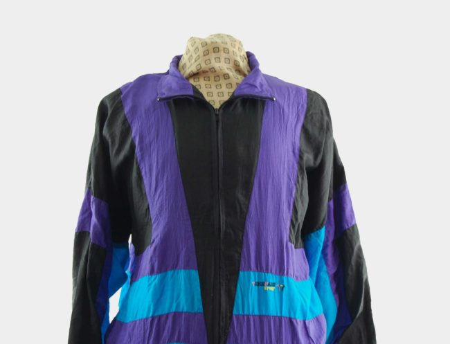 close up of Vintage Trespass Sports Windbreaker Jacket