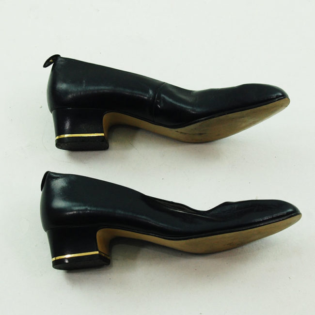 Side view of Navy Blue 80s Leather Pumps