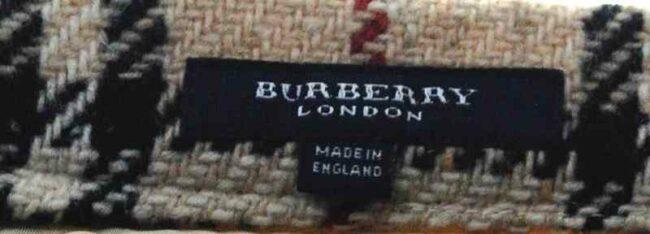 Burberry skirt label