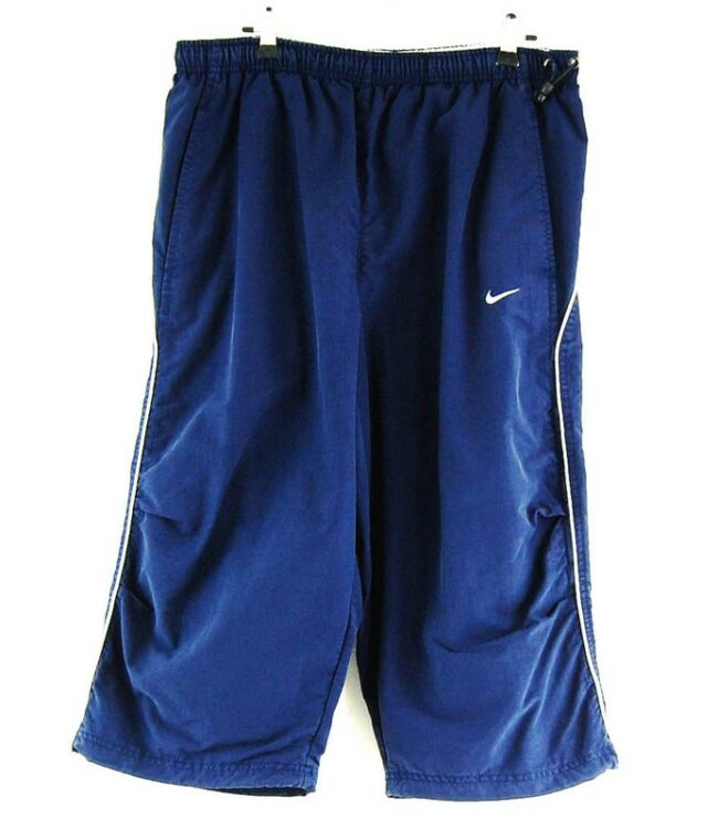 NIKE THREE QUATER LENGTH SHORTS