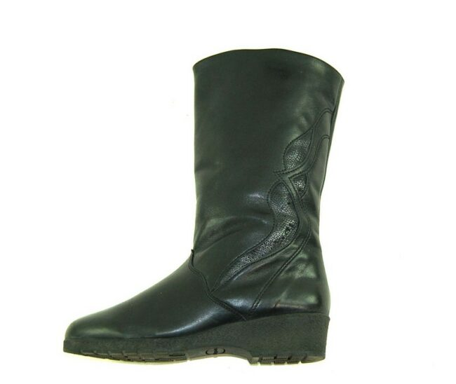 Side of 80s Wedge Heel Leather Boots