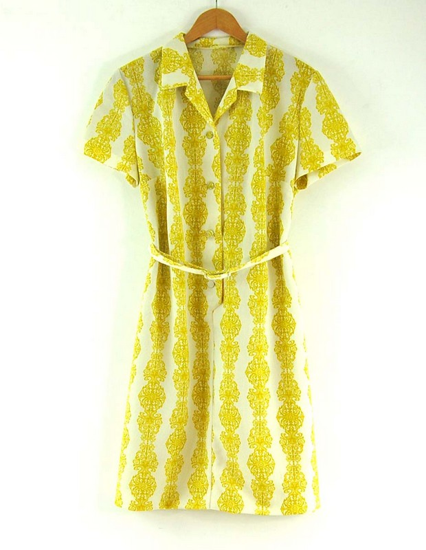 7Belted 70s Print Dress