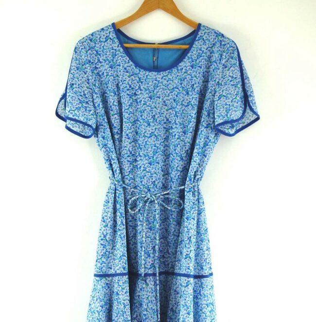 Close up of 70s Tie Waist Dress
