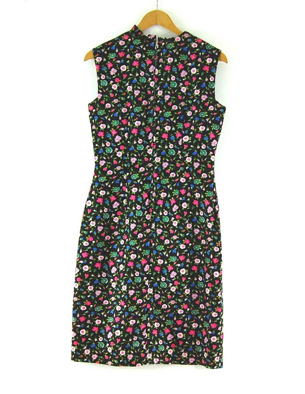 Back of Black Floral Below The Knee vintage 60s dress
