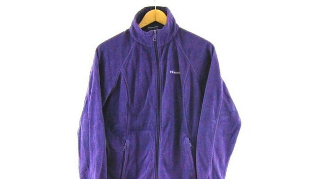 lose Up of Columbia retro fleece jacket