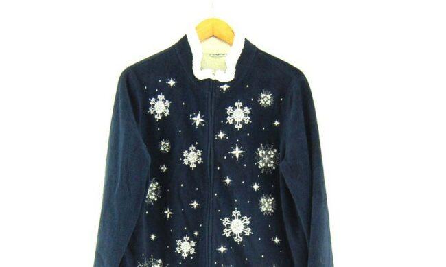Close up of Snowflake Pattern womens Retro Fleece