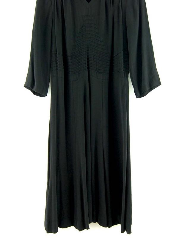 Close up of 40s Ruched Black Crepe De Chine Dress