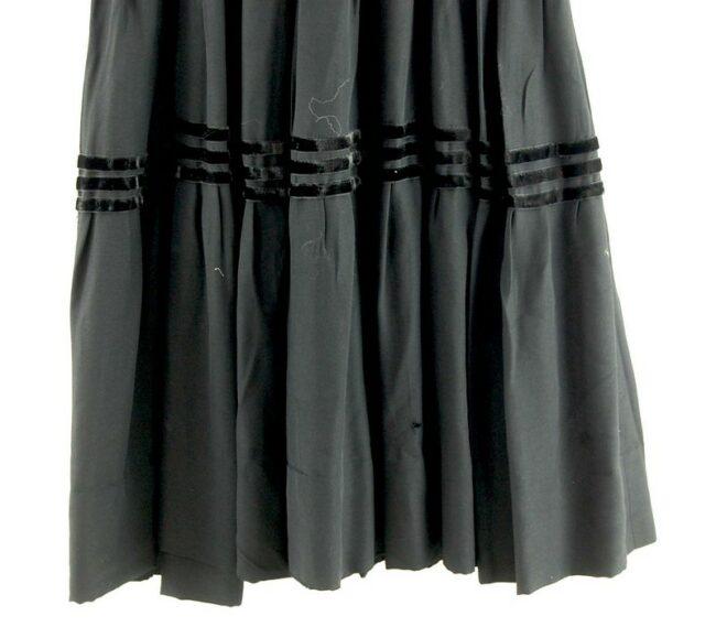 Bottom of skirt