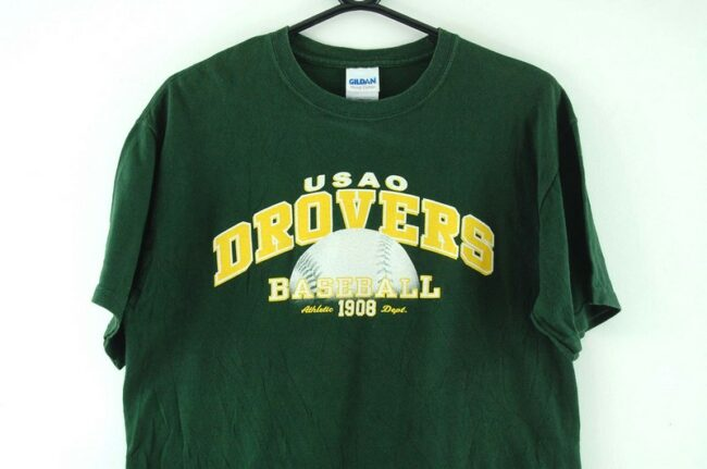 Close up of Usao Drovers Green Tee