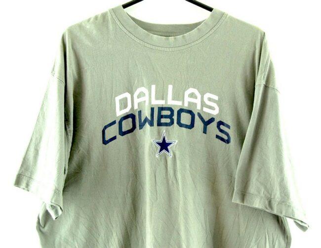 Close up of Dallas Cowboys Grey Tee