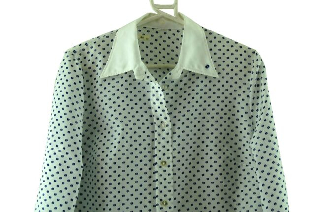 Close up of 70s Pointed Collar Blouse