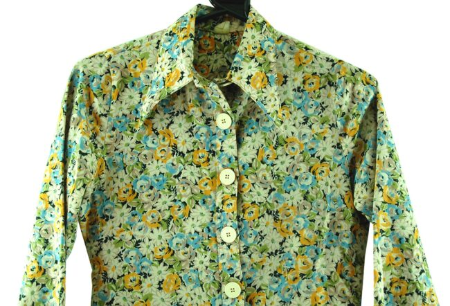 Close up of 70s Floral Dagger Collar Blouse